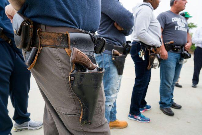 Az utolsó 29 revolvert viselő NYPD rendőr is átesett az öntöltő pisztolyra való átképzésen
