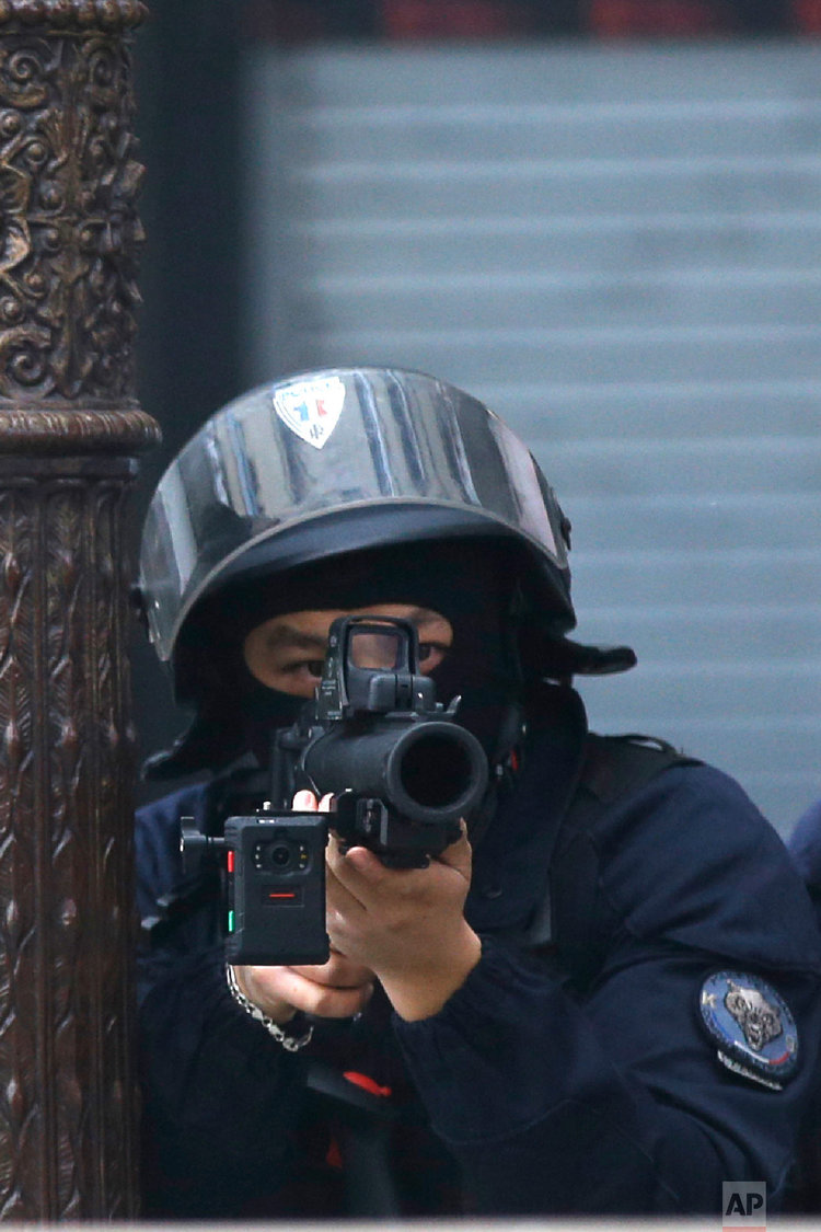 Pontatlan nem halálos fegyver? Videóban cáfolják: B+T LBD40 (40×46 mm SIR)